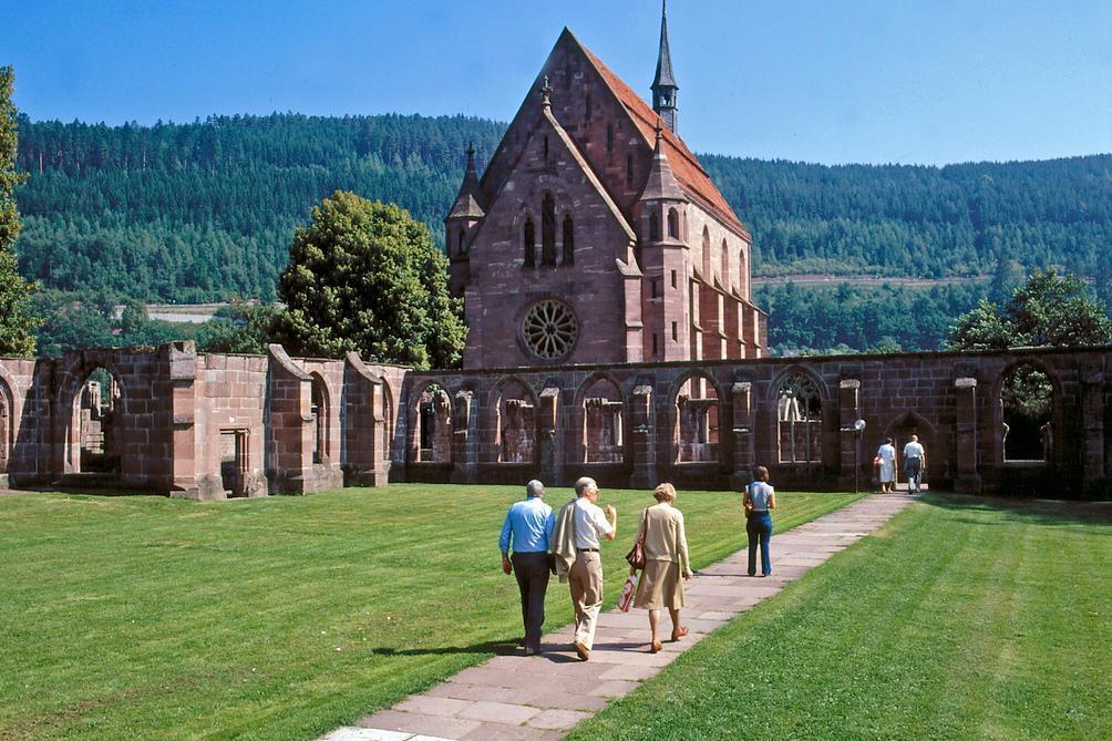 Gäste im Kloster Hirsau; Foto: Landesmedienzentrum Baden-Württemberg, Lutz Hecker