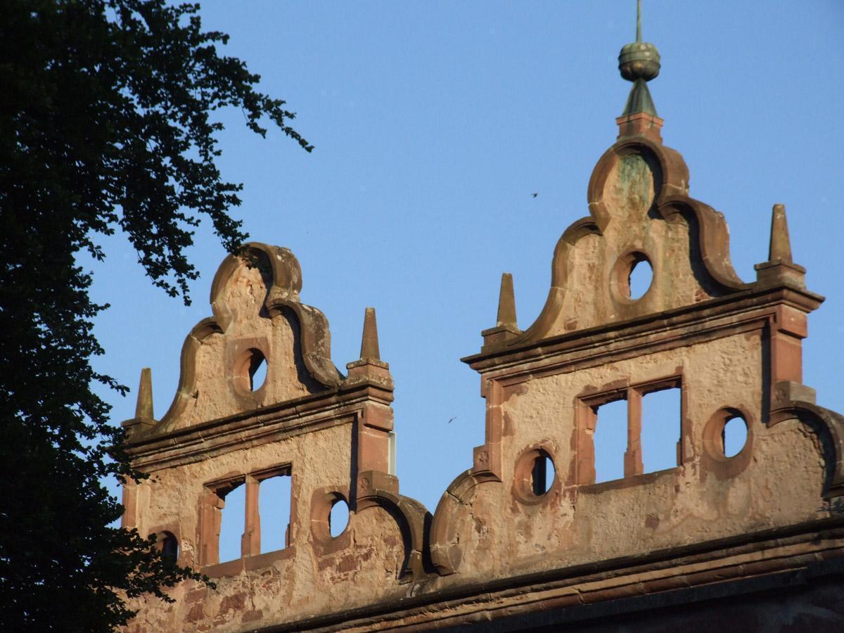 Giebel des Jagdschlosses von Kloster Hirsau; Foto: Stadtinformation Calw