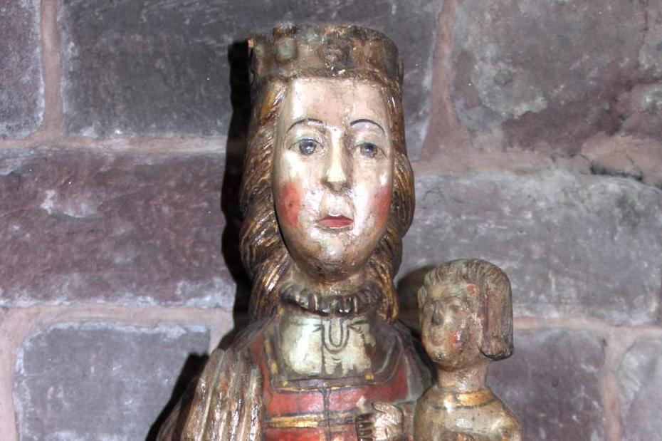 Köpfe von Mutter und Kind, Detail, andalusische Madonna im Kloster Hirsau