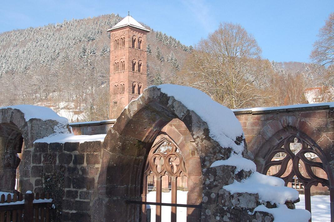 South conclave and the Owl Tower at Hirsau Monastery. Image: Calw Tourist Information