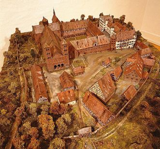 Model of the Benedictine St. Peter and Paul Monastery in Hirsau, together with Württemberg's ducal hunting lodge. Image: Landesmedienzentrum Baden-Württemberg, Arnim Weischer