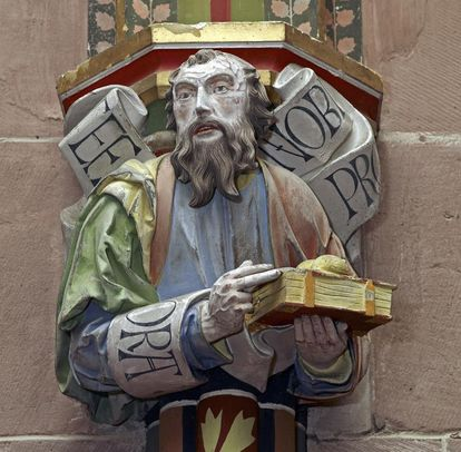 Apostle on a capital in the Chapel of St. Mary at Hirsau Monastery. Image: Staatliche Schlösser und Gärten Baden-Württemberg, Andrea Rachele